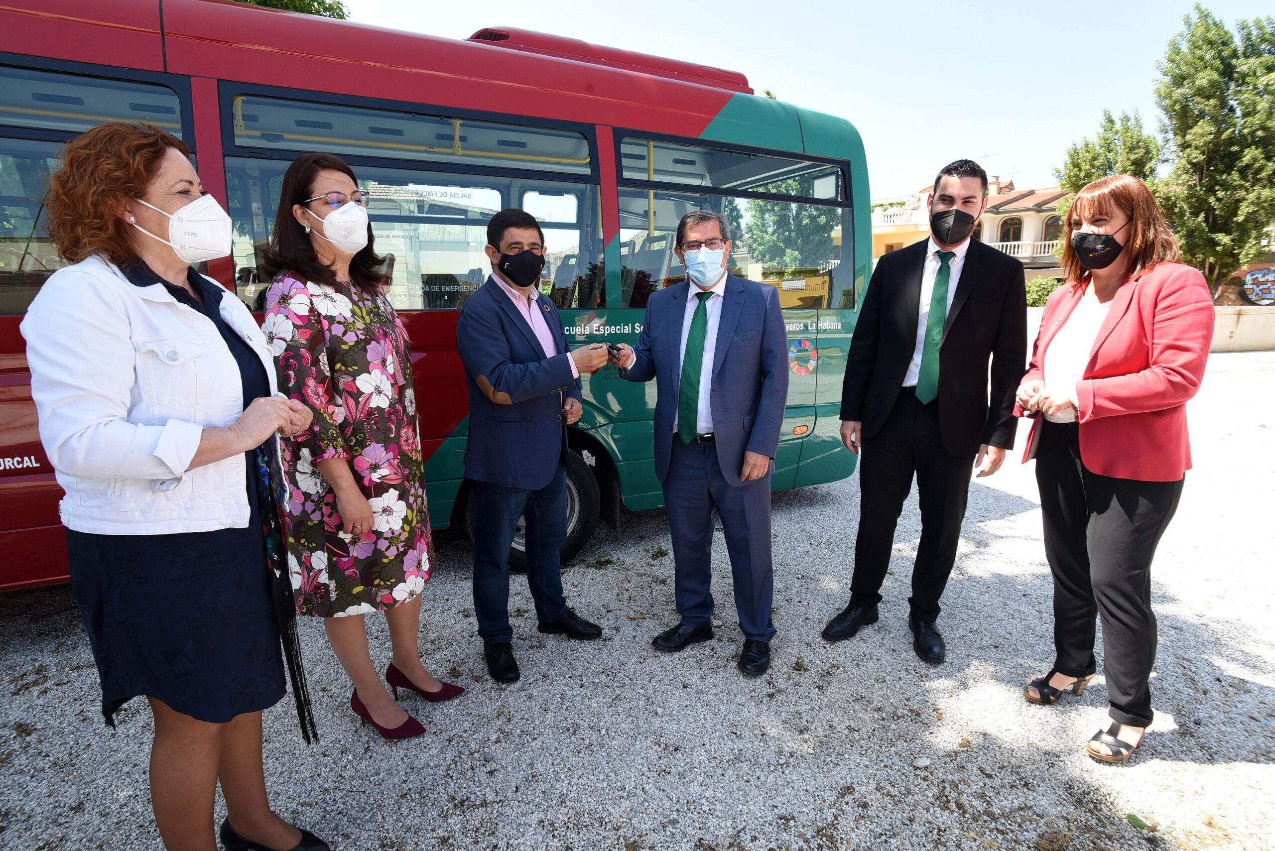 Microbús Solidaridad Cuba